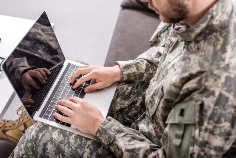 Hacker militari - concept