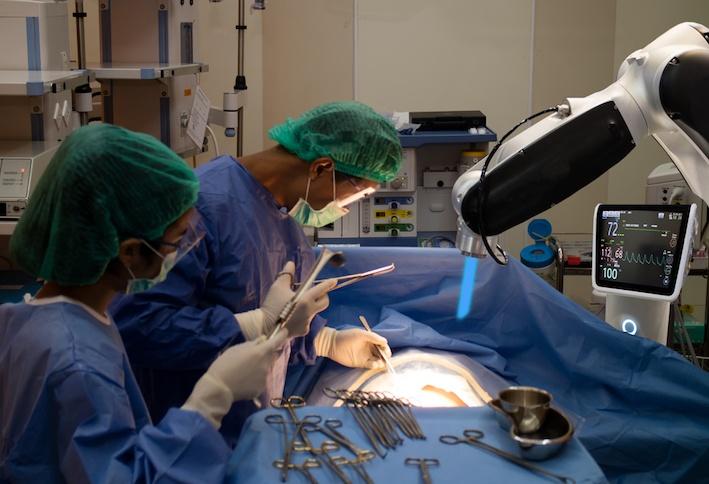 chirurgia robotica per protesi ortopediche