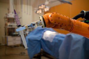 assistenza sanitaria e robotica