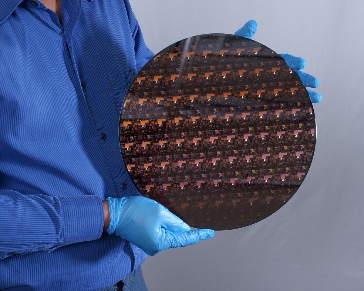 Chip a 2 nanometri - IBM Research 2 nm Wafer